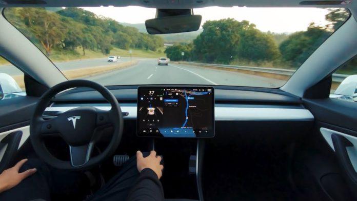US Senators urge FTC to probe Tesla's Self-Driving Claims